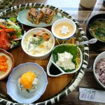 JR佐貫町駅前にある創作やくぜん料理店